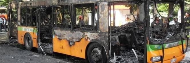 Autobus presi d'assalto 1
