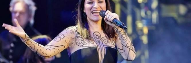Laura Pausini torna in tv con un concerto: attaccata su Twitter 1