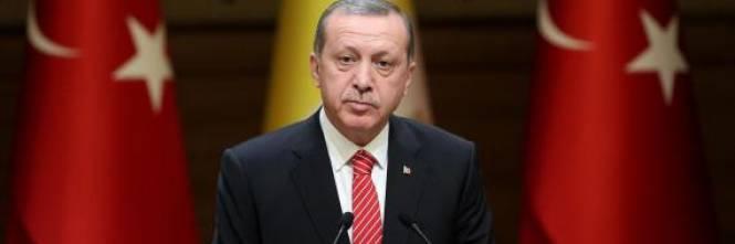 """Il """"bluff"""" di Erdogan. Vuole combattere l'Isis solo per guadagnarci 1432902277-n-erdogan-large570"""