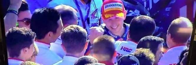 Lorenzo festeggia con la Honda 1