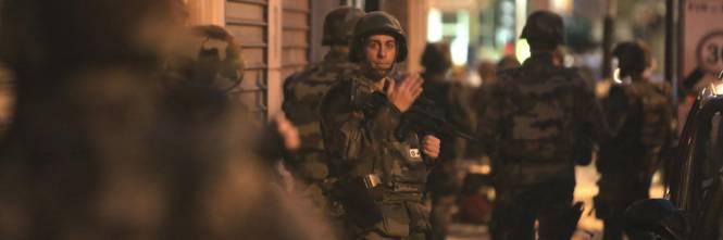 Parigi, blitz delle forze armate  1
