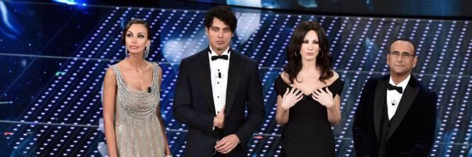 Sanremo 2016: gli abiti della prima serata 1