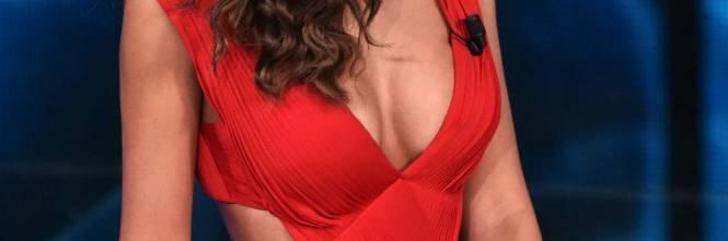 Magdalina Ghenea super sexy in rosso 1
