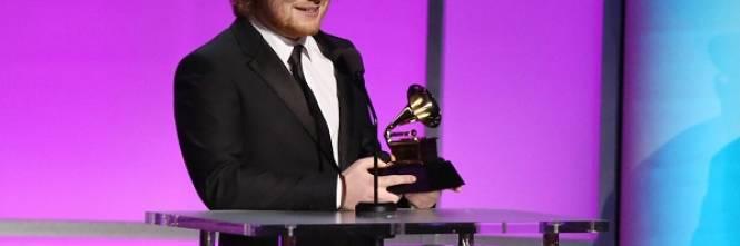 Grammy 2016: è di Ed Sheeran la canzone dell'anno. Foto 1
