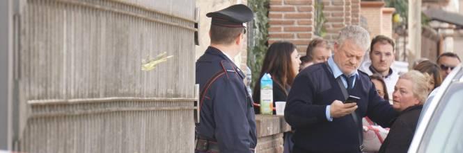 Caserta donna 40enne si uccide saltando da una finestra for Piano del telaio della finestra
