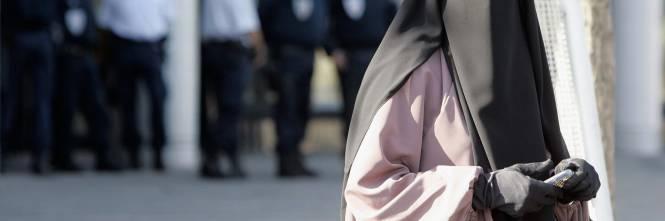 Risultati immagini per niqab milano