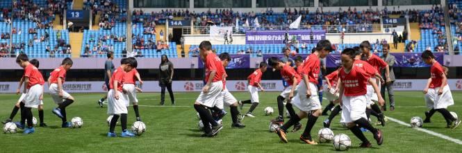 """Il """"Legend team"""" italiano porta il calcio in Cina  1"""