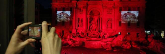 La Fontana di Trevi si tinge di rosso per i martiri cristiani 1