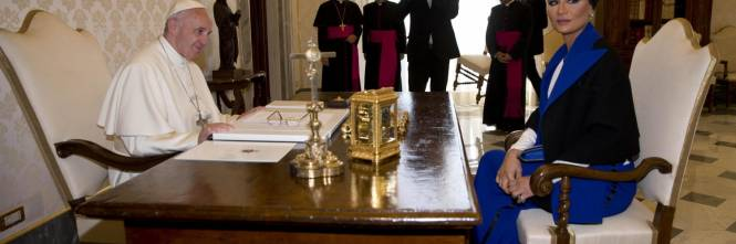 Papa Francesco riceve in Vaticano la sceicca del Qatar 1