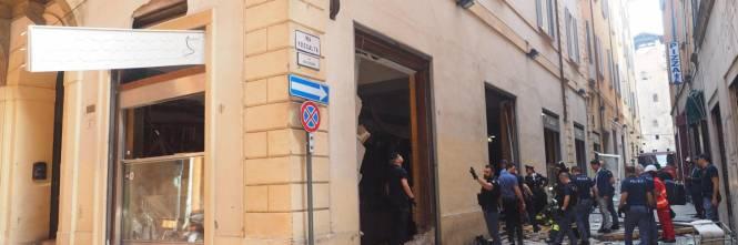 Bologna, esplosione in centro: sventrato un ristorante giapponese 1