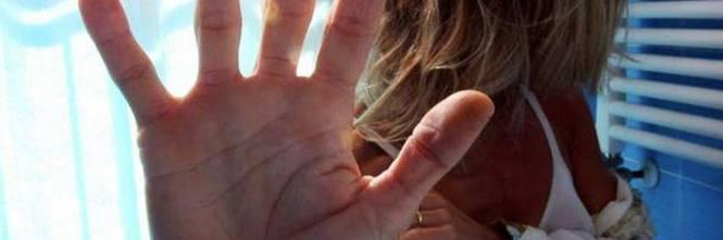 Novara: ubriaco, stupra la vicina di casa dopo aver festeggiato il compleanno