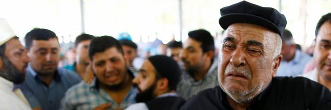 Gaziantep piange le vittime del terrorismo 2