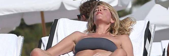 Alessia Marcuzzi, l'estate sexy 1