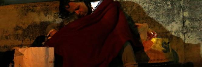 Terremoto, la prima notte degli sfollati tra freddo e paura 3
