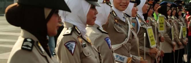 La Turchia dà l ok al velo in divisa per le poliziotte musulmane b93738cf4cf0