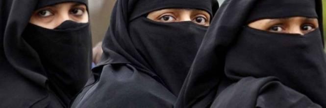 Risultati immagini per velo islam