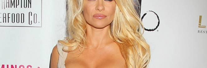 Pamela Anderson: le foto della bionda tutta curve 2