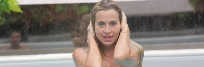 Grande Fratello Vip, docce e altri momenti sexy 50