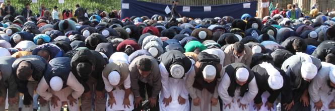 Il venerdì di preghiera dei musulmani al Colosseo 1