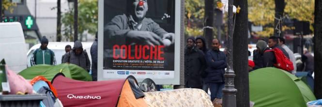 Parigi invasa dai migranti 1