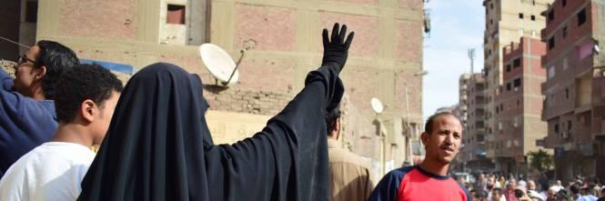 Manifestanti pro-Morsi in corteo a Giza 1