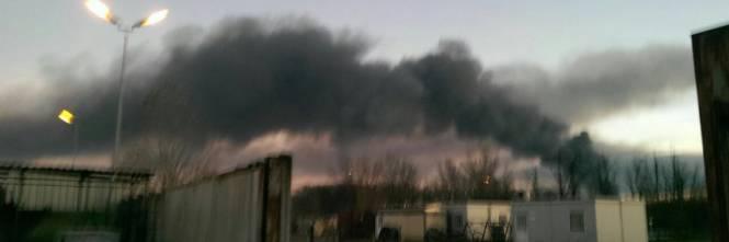 Pavia, esplosione alla raffineria dell'Eni 1