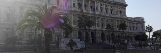 La protesta dell'estrema destra al fianco dei senza casa italiani 1