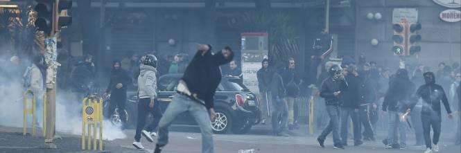 Napoli, scontri alla manifestazione anti-Salvini 4