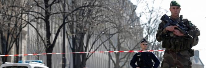 Macron E Lipocrita E Violenta Accoglienza Dei Migranti