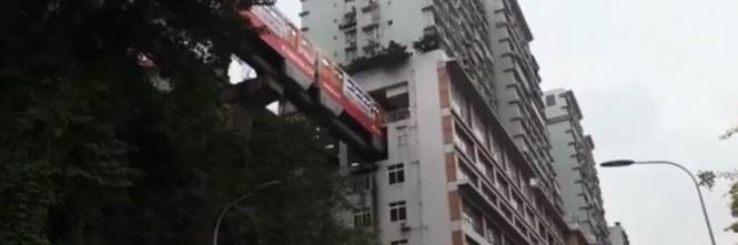 Cina, la fermata della metro è dentro casa 1