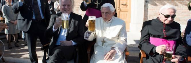 La festa dei 90 anni di Benedetto XVI 1