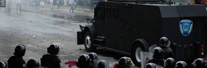Duri scontri in Venezuela 11