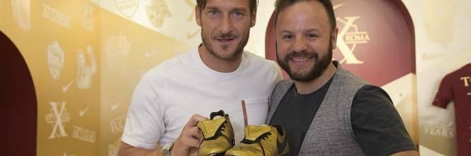 Le nuove scarpe di Totti 3