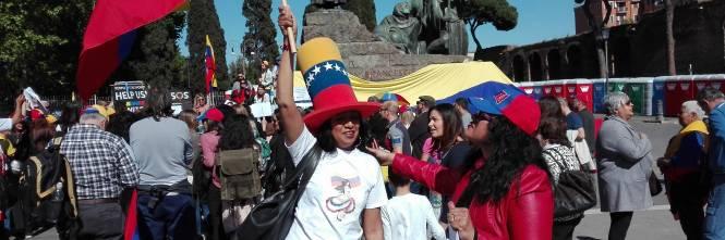 Venezuelani in piazza a Roma 1