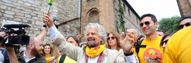 Beppe Grillo in marcia per il reddito di cittadinanza 1