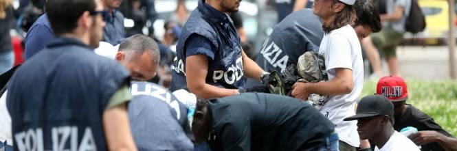 Migranti, nuovo blitz della polizia in stazione Centrale 1