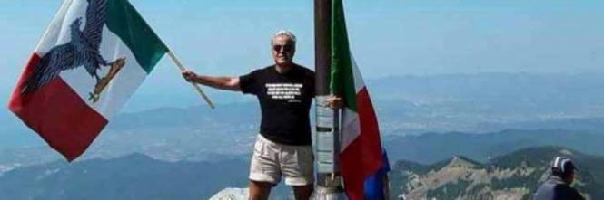 Bandiera di sal insegnante fascista denunciato da enrico for Bandiera di guerra italiana