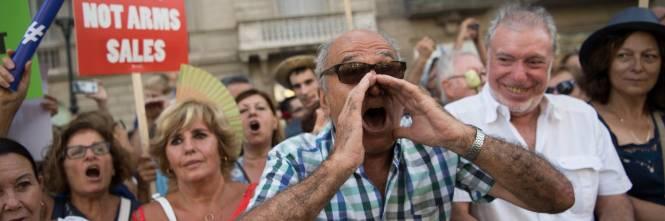 Barcellona in piazza per la pace dopo la strage sulla rambla 1