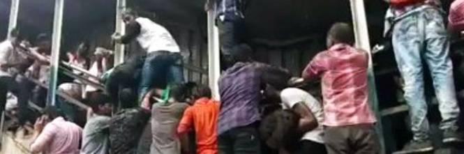 Calca alla stazione di Mumbai 1