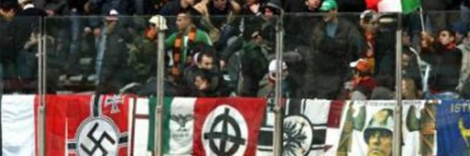 Firenze bandiera neonazista cosa significa davvero for Bandiera di guerra italiana