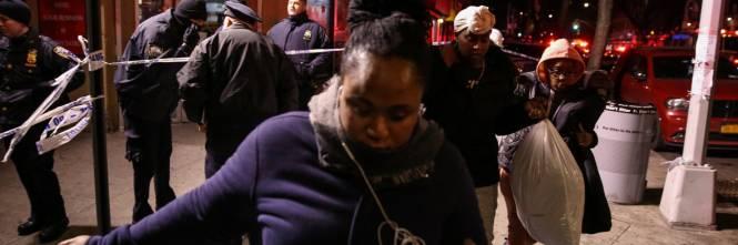 New York, brucia un intero palazzo nel Bronx 1