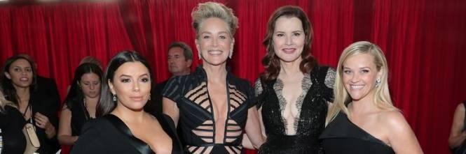 Golden Globe 2018, star in nero sul red carpet 1