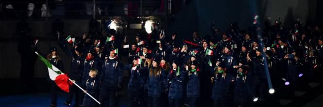 A PyeongChang sfila la bandiera dell'Italia 1