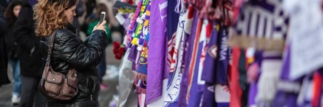 L'ultimo saluto ad Astori: i tifosi della Fiorentina in massa a Coverciano 11