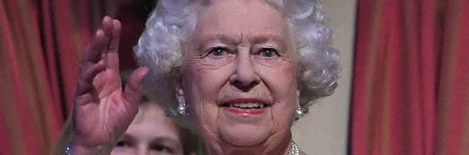 La regina elisabetta abdicher entro fine anno for Quanto costa la corona della regina elisabetta
