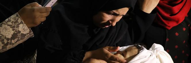 I funerali a Gaza di Leila, uccisa a otto mesi 1