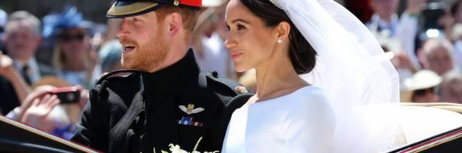 Matrimonio Meghan E Harry : Matrimonio harry meghan dalla carrozza al party con i divi di