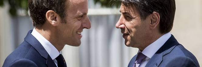 Conte da Macron all'Eliseo 1