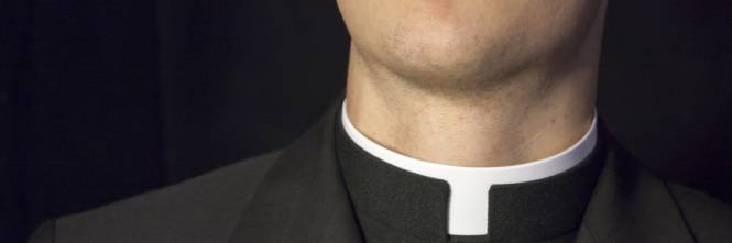 2df27c68b6 Il papà e la mamma non possono credere che quel sacerdote che conoscono da  vent'anni potesse mai abusare della loro figlia di 10 anni:
