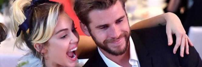 Matrimonio In Segreto : Liam hemsworth matrimonio in gran segreto con miley cyrus
